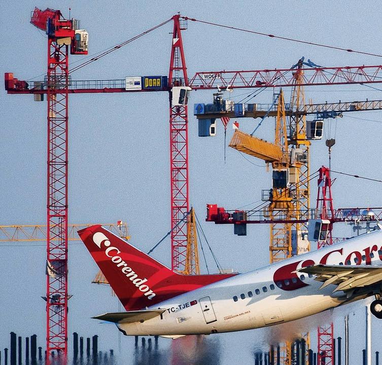 Flughafen Schönefeld    Foto: Verwendung weltweit, usage worldwide