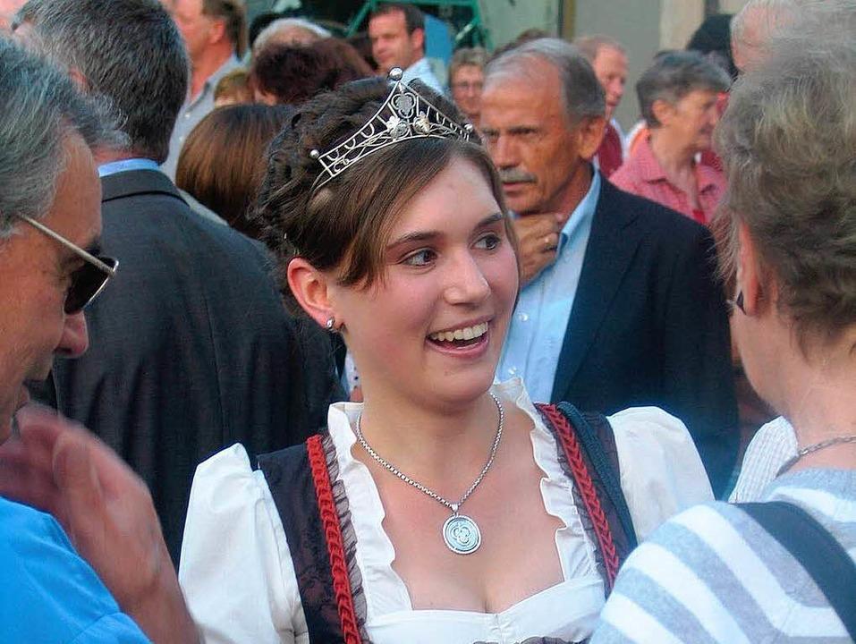 Angeregt unterhält sich die Badische W...it mit den Gästen des Schwiboge-Festes