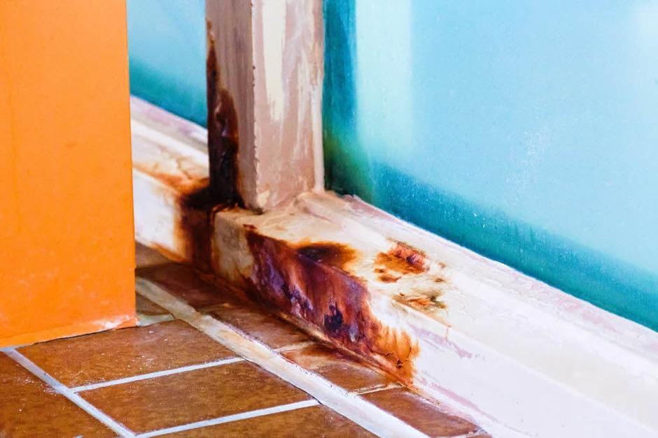 Wie sanierungsbedürftig das Bad ist, zeigt sich an vielen Stellen. Kein Wunder: Das Laguna gibt es bereits seit 1984. (Foto: Dominic Rock)