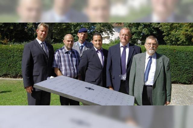 Neue Gedenktafel erinnert an die gefallenen Soldaten