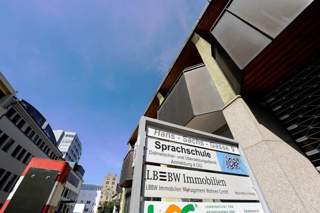 Noch hat die LBBW Immobilien Management Wohnen GmbH eine Filiale in Freiburg.   | Foto: Ingo Schneider