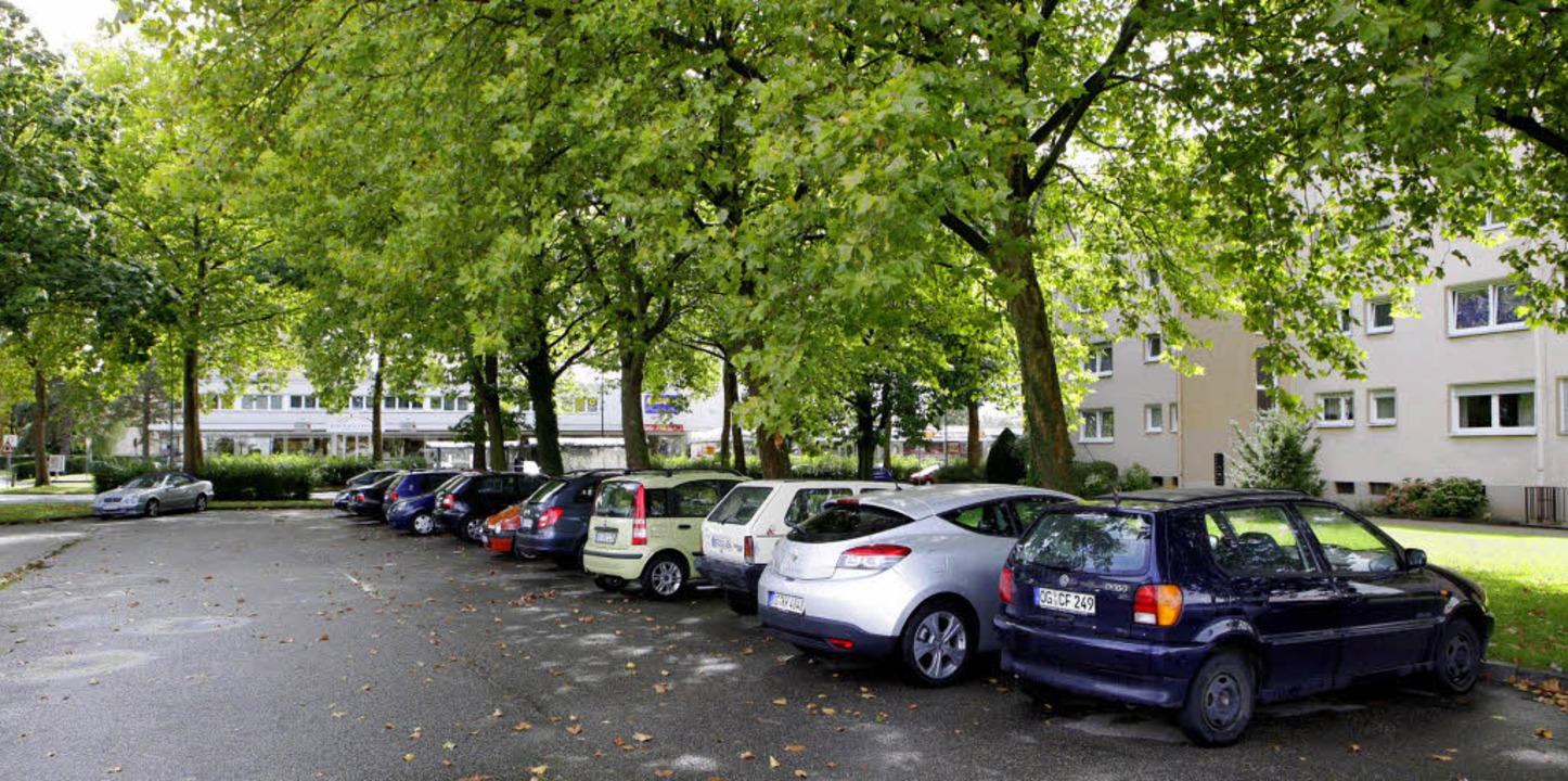 Statt parkender Autos spielende Kinder...  soll der Spielplatz gebaut werden.    | Foto: CHRISTOPH BREITHAUPT