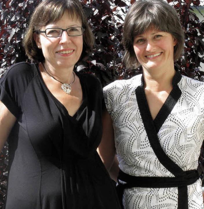 Ulrike Falk (links), Vorsitzende des V...n, freuen sich auf das Jubiläumsfest.   | Foto: Dorothee Möller-Barbian