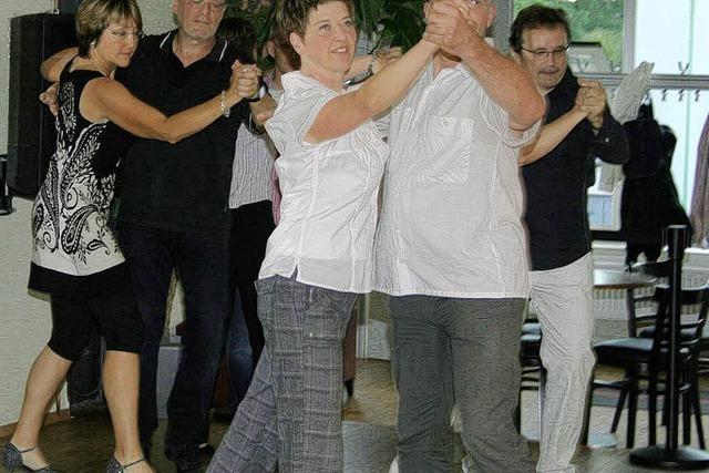 Tanzen hält fit und fröhlich