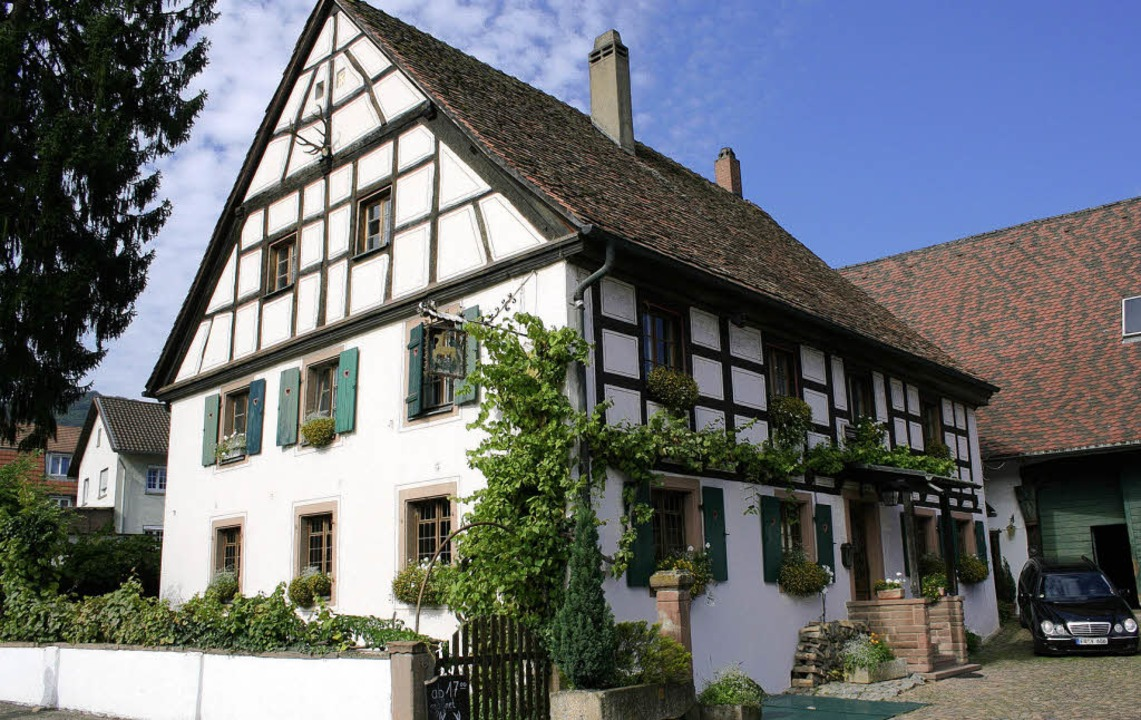 Seit dem 17. Jahrhundert gibt es den Hirschen in Merzhausen.  | Foto: Michael Saurer