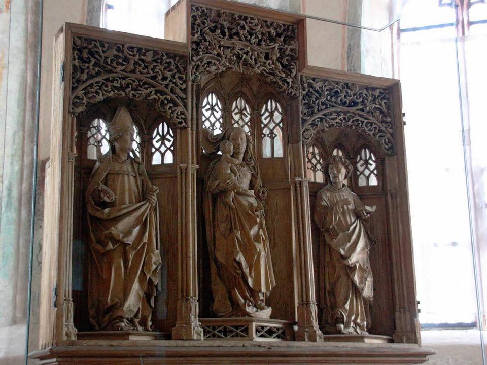 In der   St. Vituskapelle in Wasenweil...gotische Altarschrein bestaunt werden.  | Foto: Christine Aniol