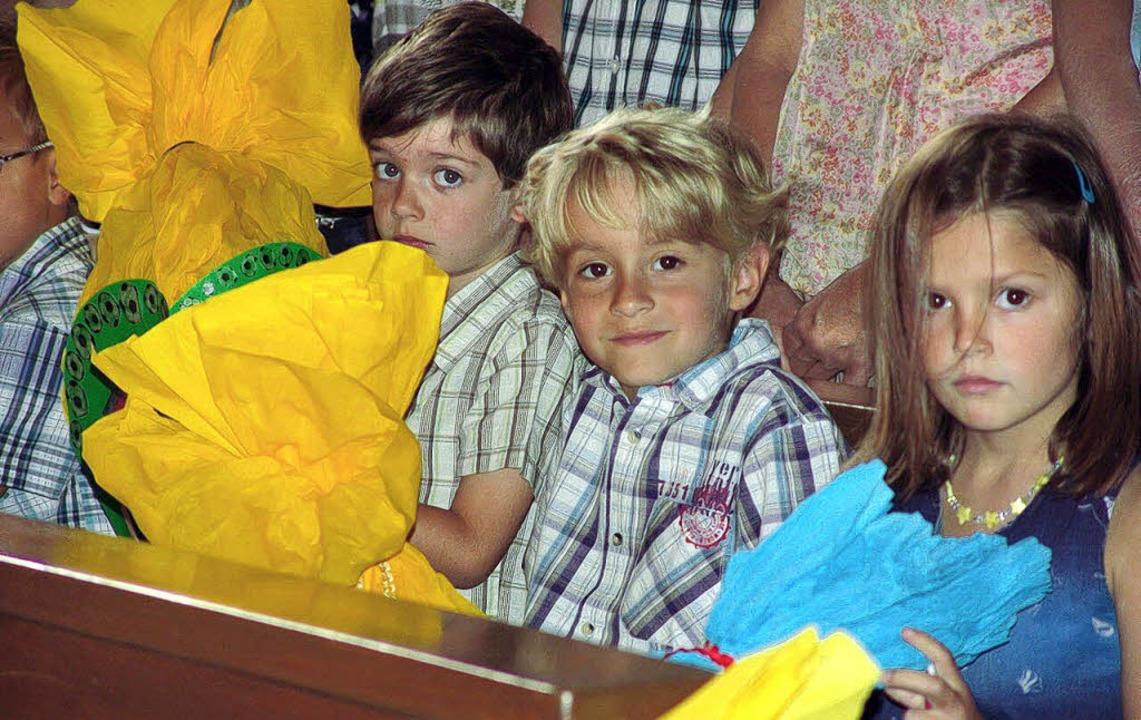 Kinder beim Einschulugs-Gottesdienst  | Foto: Karin Wortelkamp