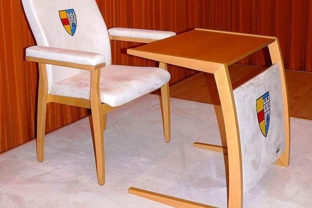 Maßanfertigung – ein Extra-Stuhl für den Papst