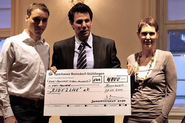 Radfahren und Gutes tun: 4000 Euro für