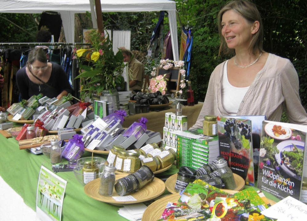Thema beim Kunsthandwerkermarkt waren ...uter und ihre vielfältige Verwendung.   | Foto: Anne Freyer