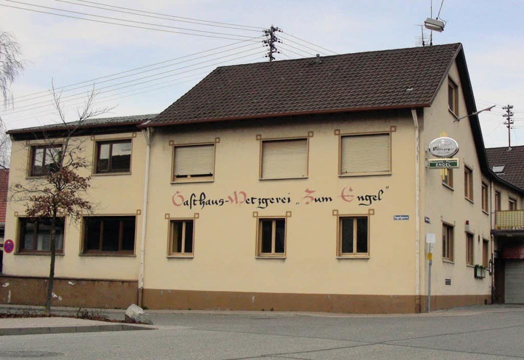 Mitten im alten Ortskern von  Hugstett...n Betreibern doch weitergeführt wird.   | Foto: mario schöneberg