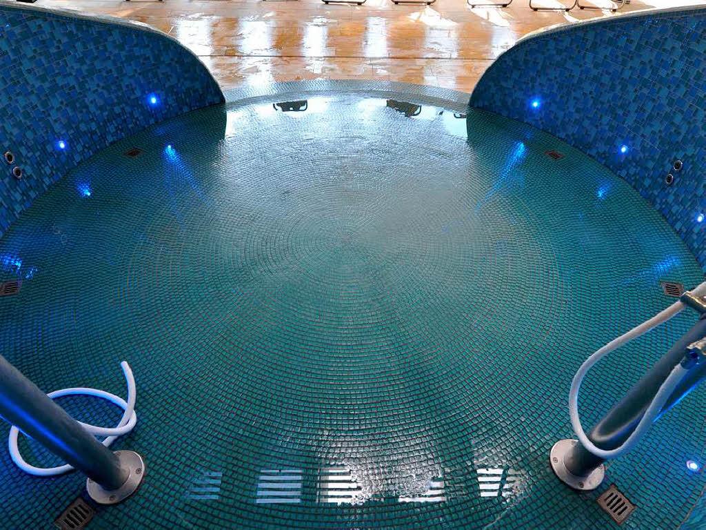 millionenteure sanierung des eugen keidel bads beendet freiburg badische zeitung. Black Bedroom Furniture Sets. Home Design Ideas