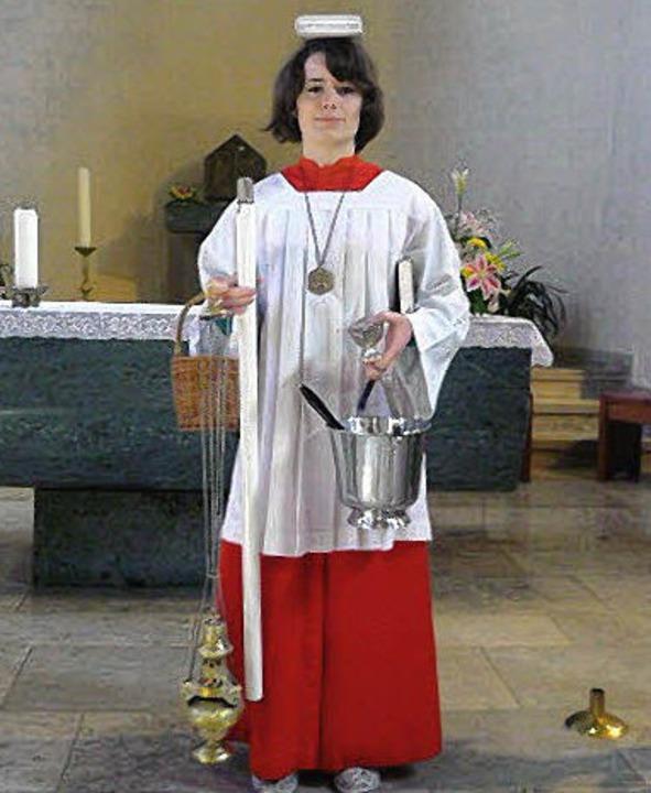 Christin Rims wurde als Ministrantin f...am Altar beim Papstbesuch ausgewählt .  | Foto: Privat