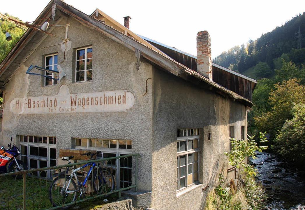 Dass es sowas noch gibt: Die alte Mamb... als Schmiedemuseum erhalten bleiben.   | Foto: Hermann Jacob