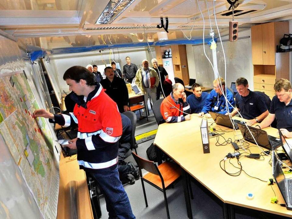 Probelauf in der gemeinsamen Einsatzze...ärzten und Feuerwehr am Flugplatzgelän  | Foto: Michael Bamberger