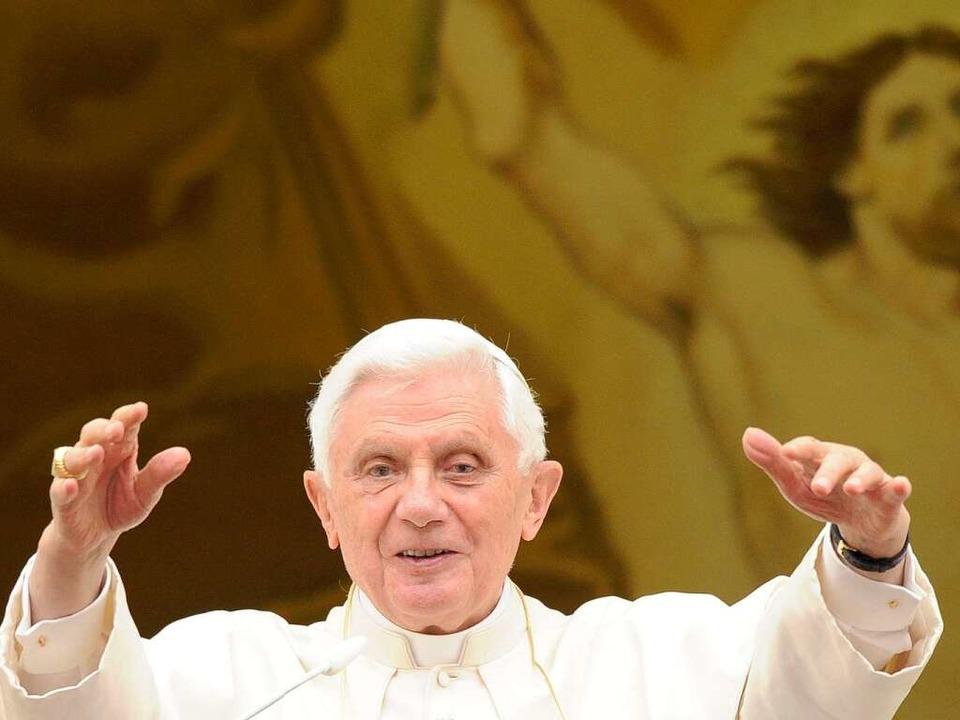 Viele Katholiken freuen sich auf den D.... Doch es gibt auch kritische Stimmen.  | Foto: dpa