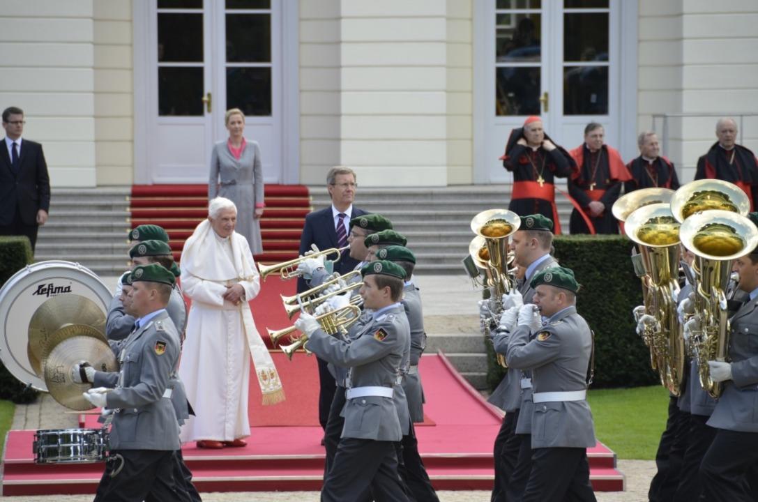 Impressionen vom Papstempfang auf Schloss Bellevue.  | Foto: Jens Schmitz