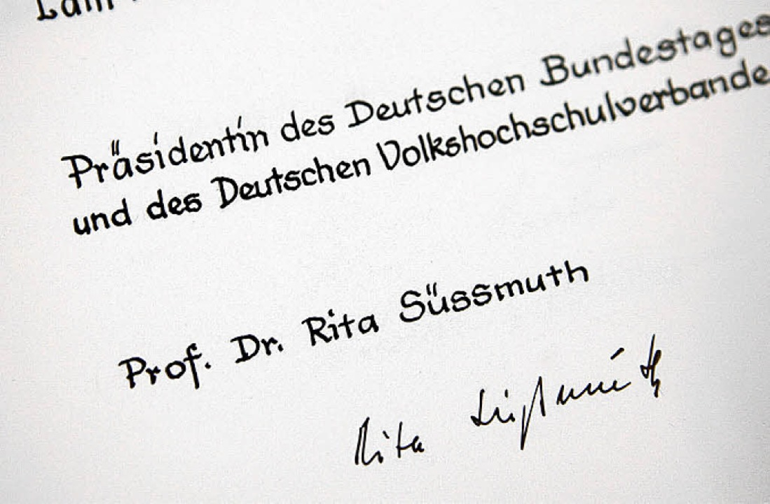 Den Reigen der  Ehrengäste eröffnete 1...präsidentin Professorin Rita Süssmuth.  | Foto: Christoph Breithaupt