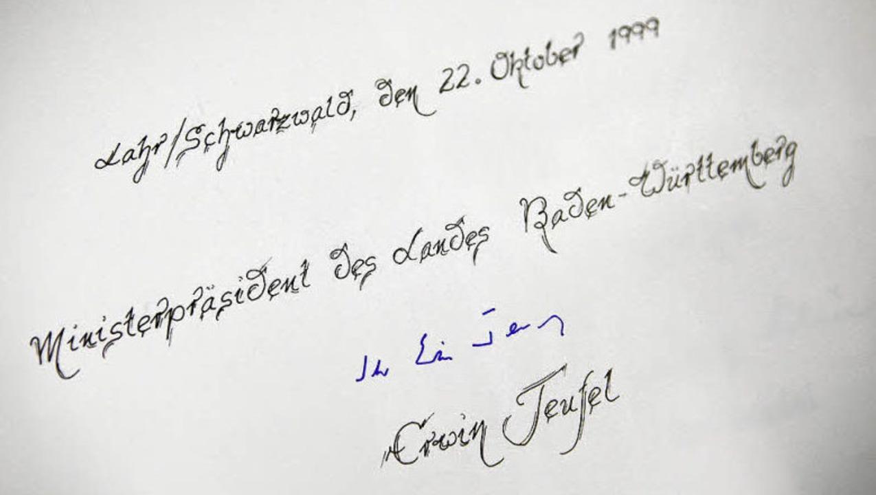 Ministerpräsident Erwin Teufel kam vor...ahren zum Jubiläum der Akad nach Lahr.  | Foto: Christoph Breithaupt