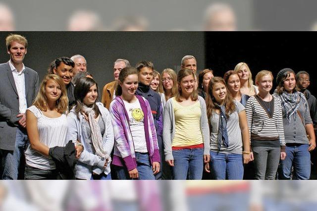 Junge Leute sollen helfen, Grenzen zu überwinden