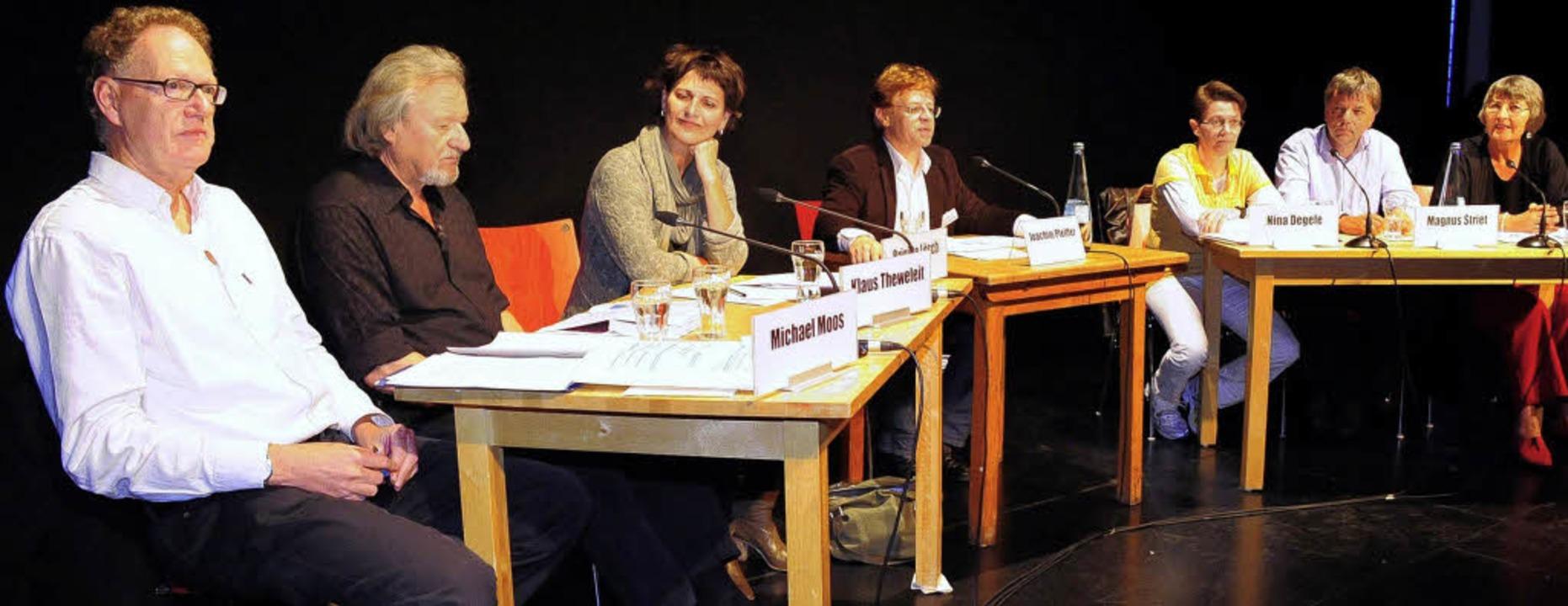 Michael Moos, Klaus Theweleit, Brigitt...Striet und Sylvia Buchen (von links).   | Foto: Thomas Kunz