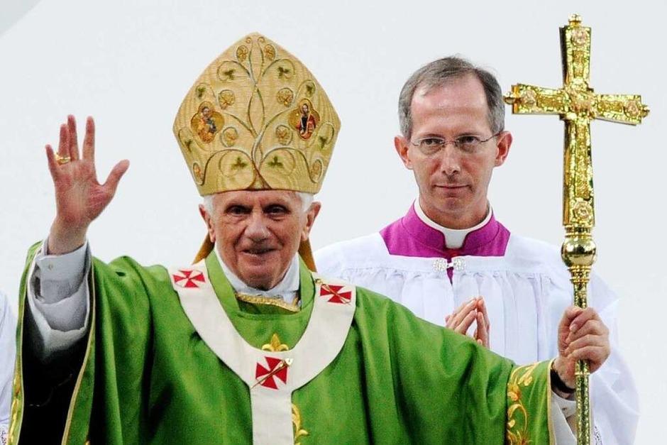 Die Messe vor 61.000 Gläubigen im Olympiastadion und die Rede im Bundestag – dies waren die Höhepunkte des ersten Tages des Papstbesuchs. (Foto: dpa)