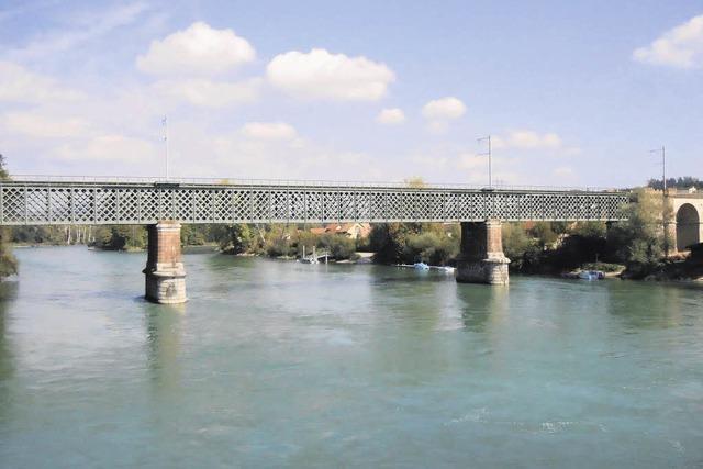 Schweizer Züge zu schwer für die Rheinbrücke