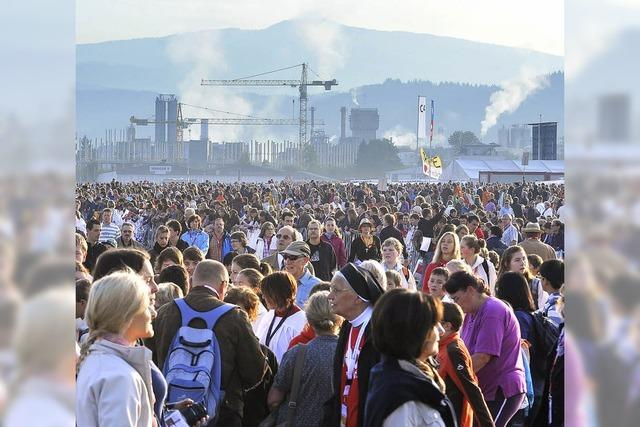 Heilige Messe am Flugplatz: Aufbruch in aller Herrgottsfrühe