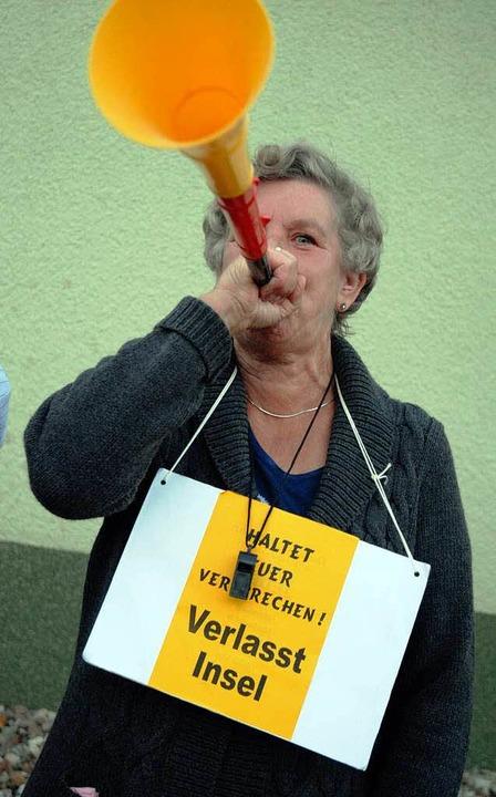 Lärmattacke: Hannelore Röhlicke will keine neuen Nachbarn.    Foto: bensiek