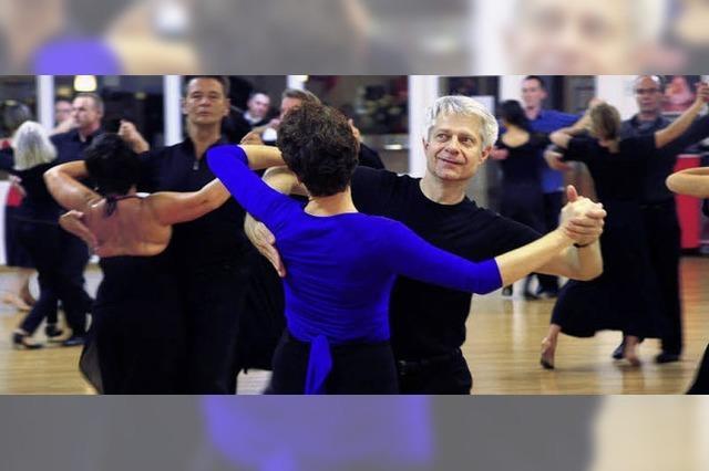 Tanz-Turnier-Club Rot-Weiß: Jede Bewegung muss perfekt sitzen