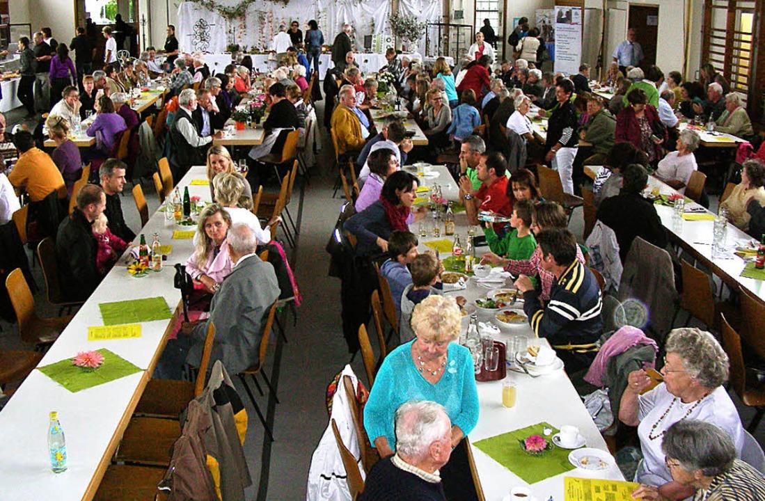 Gut besucht: Pfarrfest in Hugstetten.   | Foto: mario schöneberg