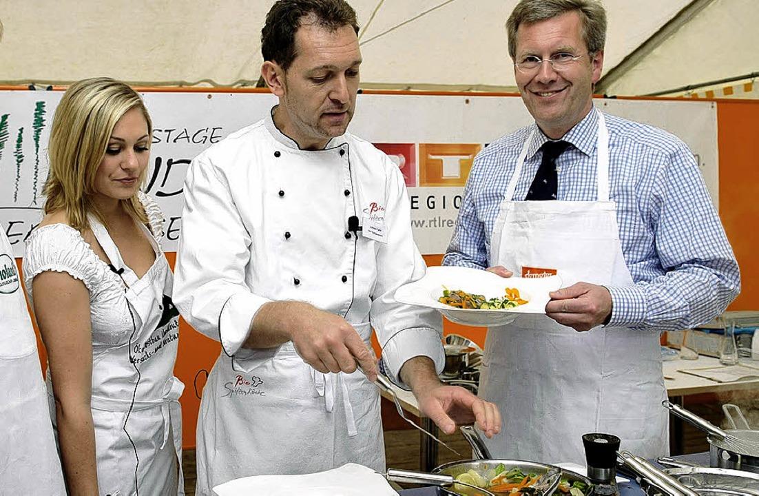 Zu Gast auf der Open-Air-Kochbühne ist... und Bundespräsident Christian Wulff.   | Foto: PR-Foto