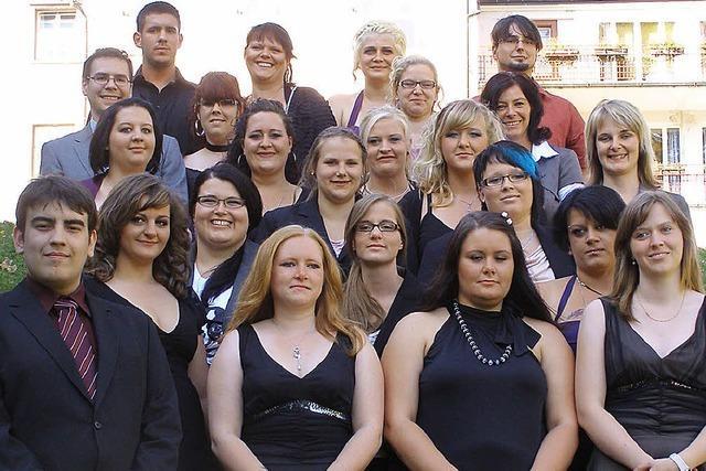 21 neue Altenpfleger