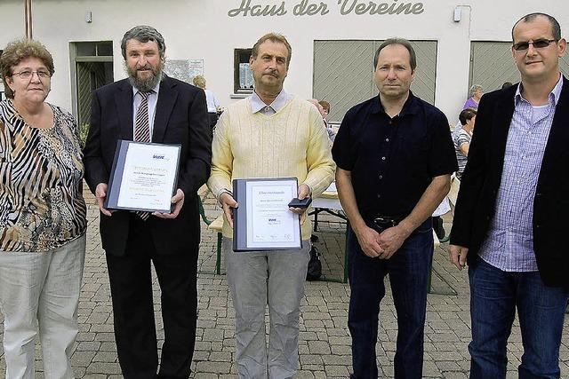 Goldene Ehrennadeln für verdiente Mitglieder