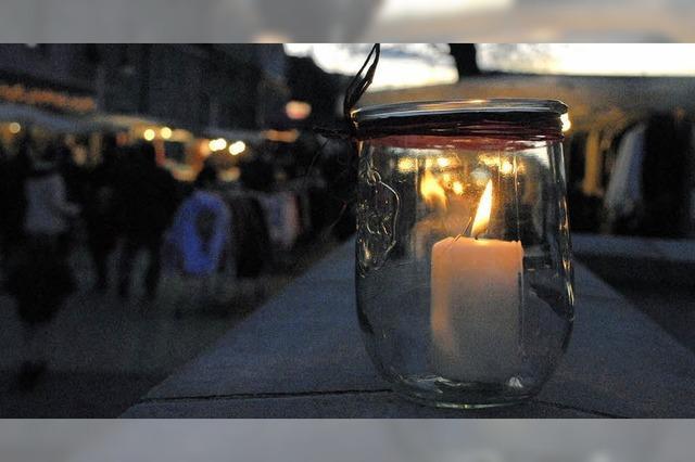 Lichtereinkaufsabend: Lichter wärmen die City