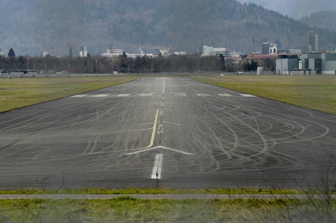 Stadiondebatte: Nicht alle wollen den  Flugplatz abschreiben  | Foto: Ingo Schneider