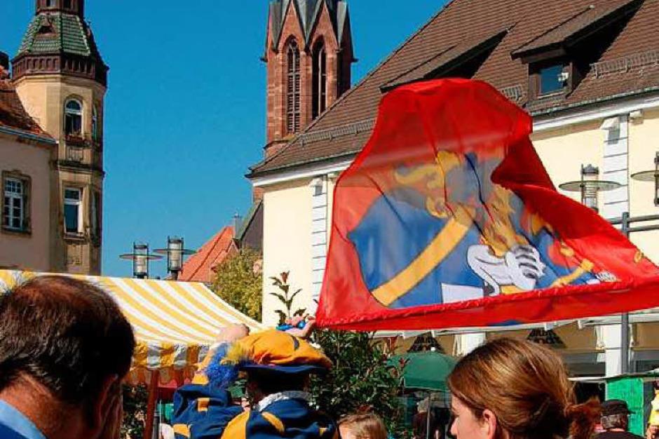 Fanfarenzug Windeck, Bühl, und Kartoffelgenuss auf dem Marktplatz (Foto: Sylvia-Karina Jahn)