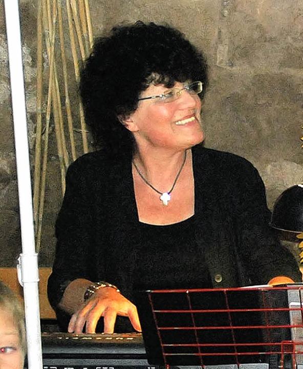 Cornelia Hossfeld erzählte lustige Kindergeschichten.    Foto: Edgar Steinfelder