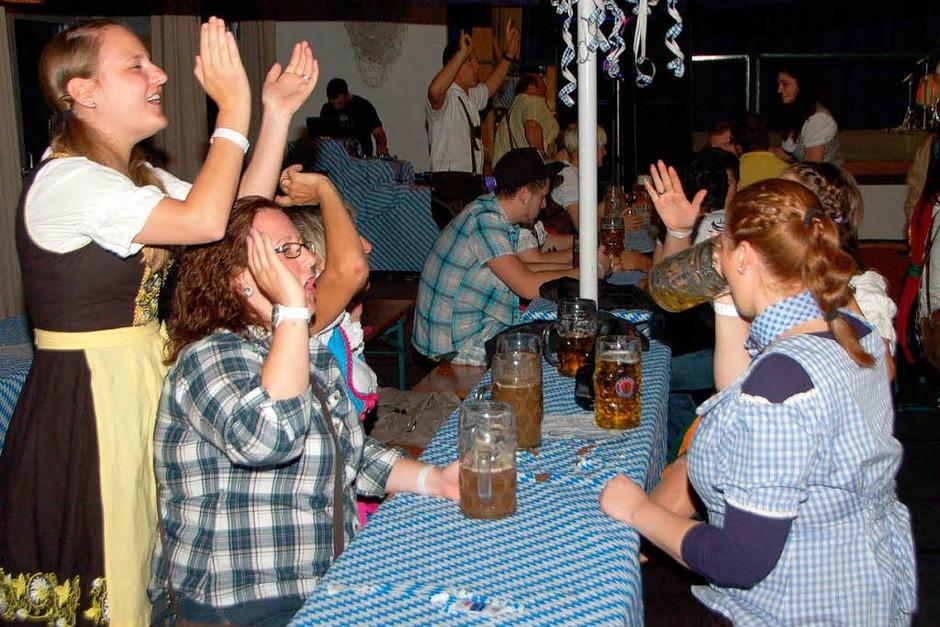 In Feierlaune: Erstes Oktoberfest des Umkircher Narrenclubs (Foto: Manfred Frietsch)