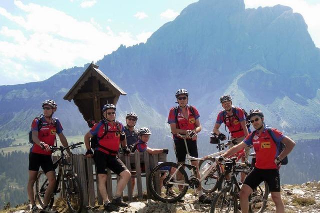 Mountainbiker genießen Traumkulisse
