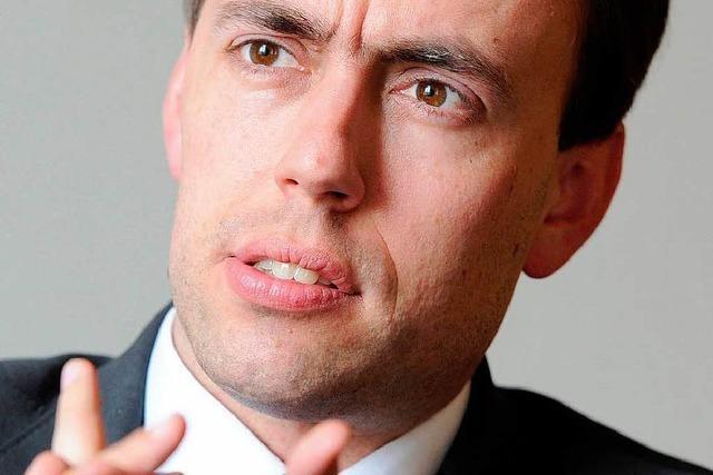 Finanzminister will Beamten an den Geldbeutel