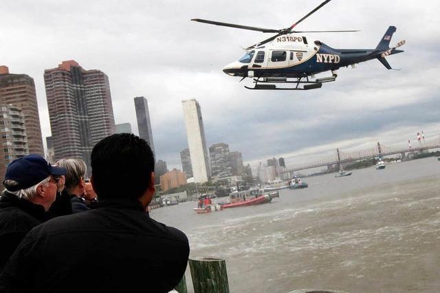 Helikopter in New York in Fluss gestürzt – eine Tote
