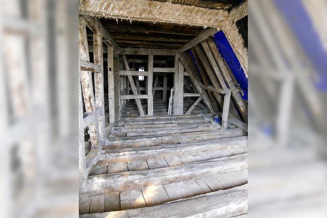 Nach Brand: Sanierung des evangelischen Pfarrhauses Köndringen beginnen