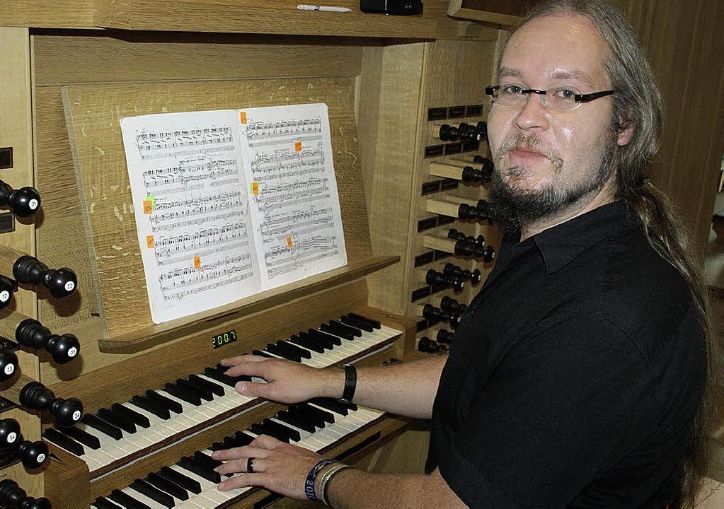 Mit dem Orgelkonzert von Frank Rieger ...standesgemäße musikalische Würdigung.   | Foto: Hrvoje Miloslavic