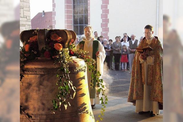 Neue Glocken läuten Patrozinium ein