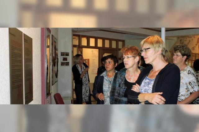 Ausstellung über arme Mütter und arme Kinder