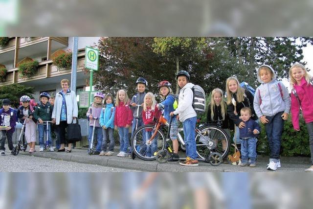 SCHULLEBEBN: Zu Fuß zur Schule tut gut