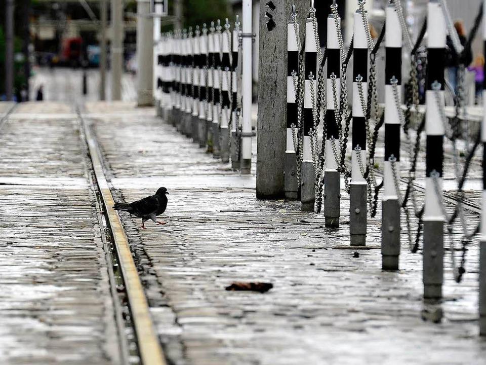 Viel Ruhe auf der Stadtbahnbrücke  | Foto: Ingo Schneider