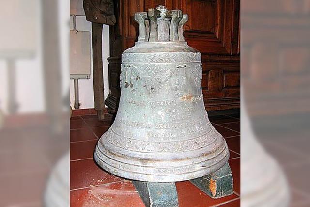 Mit Blitz und Donner hielten die drei neuen Glocken Einzug