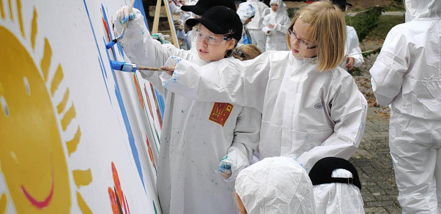 Kinder der Michael-Friedrich-Wild-Grun...nde der Firma Schott AG in Hügelheim.   | Foto: Beatrice Ehrlich